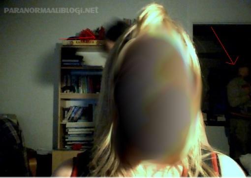 Kuvasta muokattu ainoastaan kasvot ja lisätty nuolet. Klikkaa suuremmaksi.